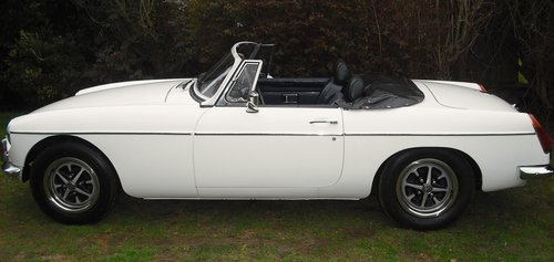 1972 MGB ROADSTER,OVERDRIVE,4 OWNERS,SERVICE HISTORY, For Sale (picture 2 of 6)