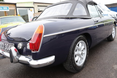 1972 MGB Roadster in midnight blue SOLD (picture 2 of 5)