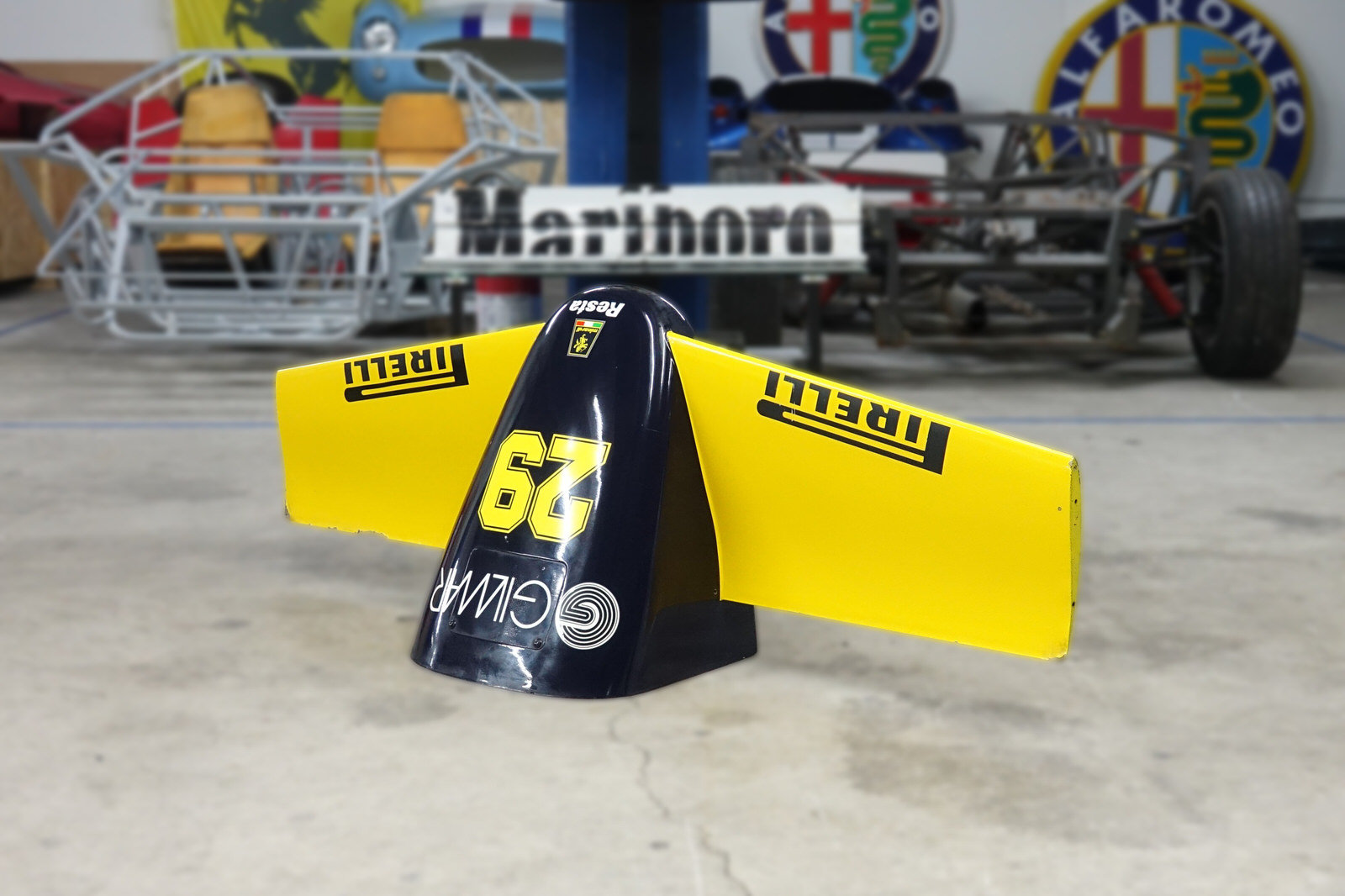 1985 Minardi M185 F1 Front Nose For Sale (picture 5 of 8)