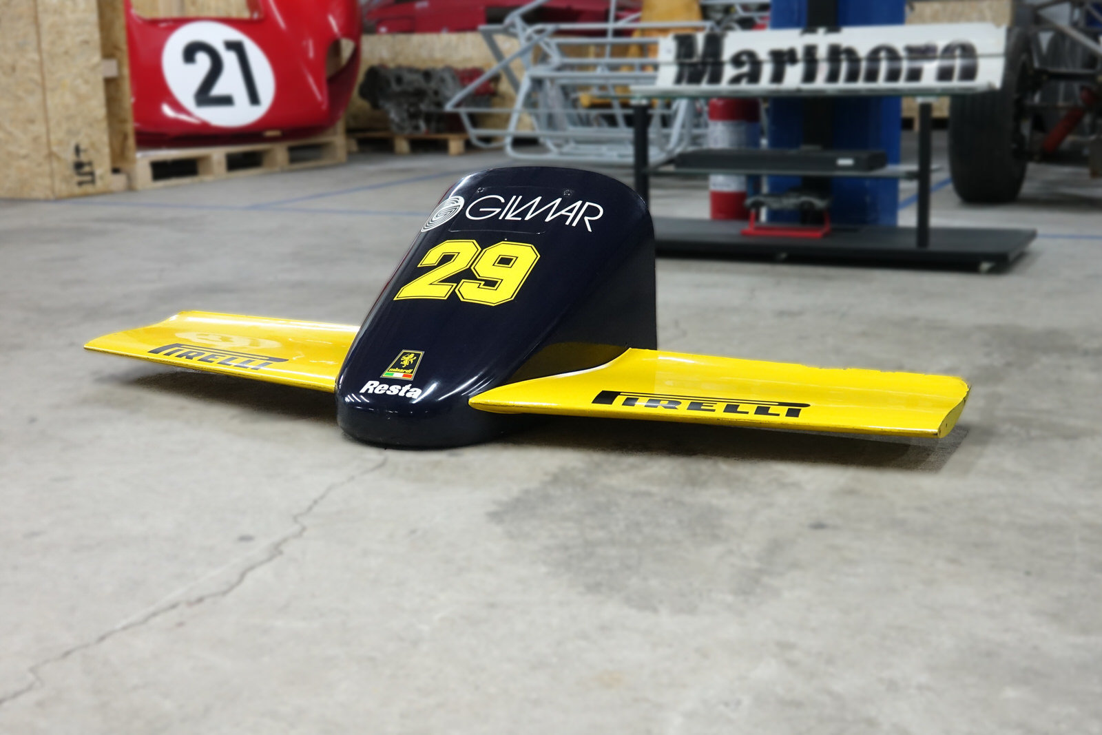 1985 Minardi M185 F1 Front Nose For Sale (picture 8 of 8)