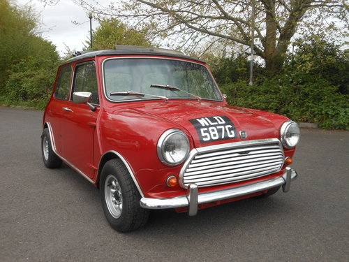 1969 morris mini cooper mk2 tartan red with black roof. Black Bedroom Furniture Sets. Home Design Ideas