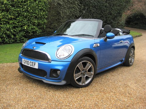 2010 Mini Cooper S Convertible With JCW Bodykit+17 For Sale (picture 2 of 6)