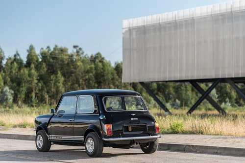 Lhd 1972 Mini 1275 GT – Fully Restored to Mint Condition! SOLD (picture 2 of 6)