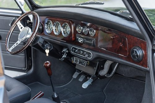 Lhd 1972 Mini 1275 GT – Fully Restored to Mint Condition! SOLD (picture 3 of 6)