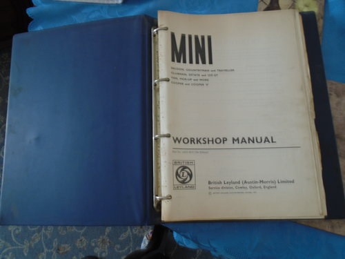 Official workshop manual For Sale (picture 2 of 3)