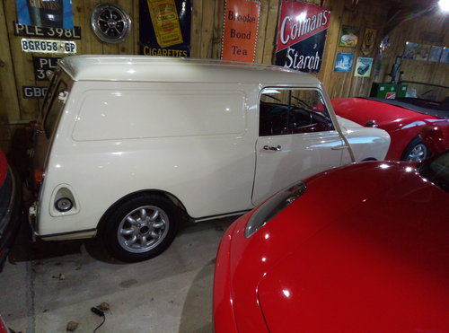 1966  FABULOUS FULLY RESTORED MINIS  For Sale (picture 1 of 6)
