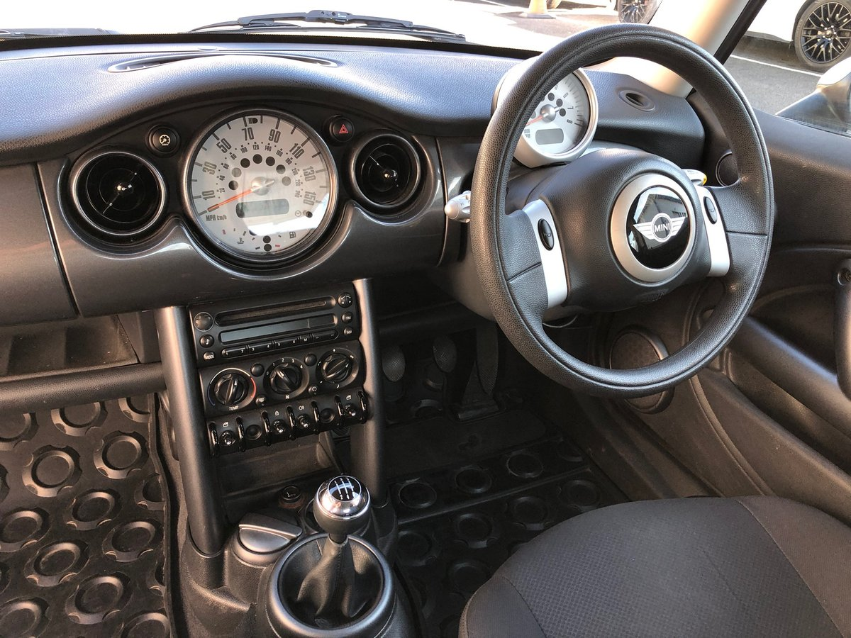 2006 55 MINI HATCH COOPER 1.6 114 BHP For Sale (picture 6 of 6)