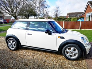 2008 Mini mini one 1.4 6 speed 2 owners mint condition