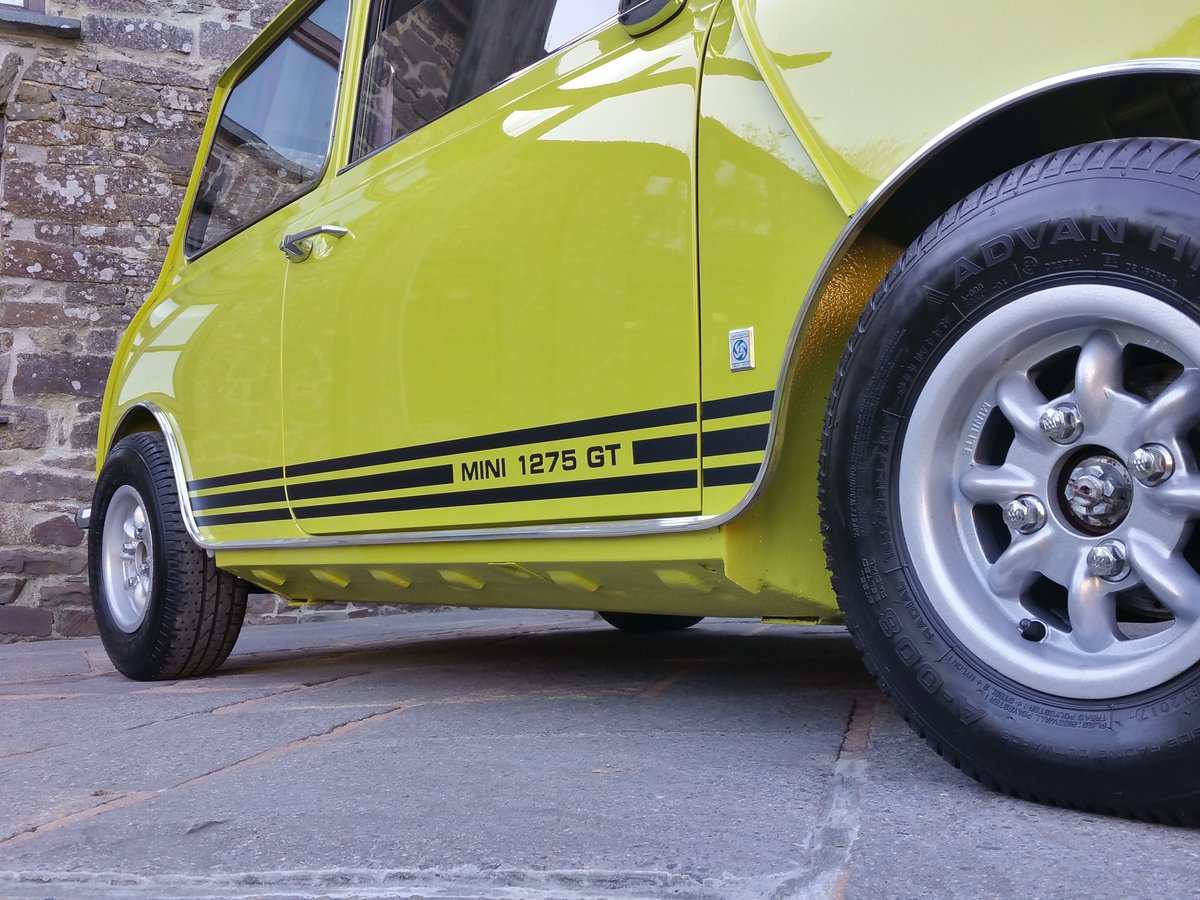 1975 Outstanding Mini Cooper 1275 GT In Citron Yellow! SOLD (picture 3 of 6)