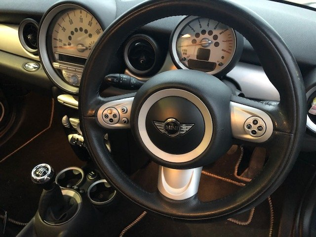 2007 Huge specification MINI Cooper. New MOT For Sale (picture 4 of 6)