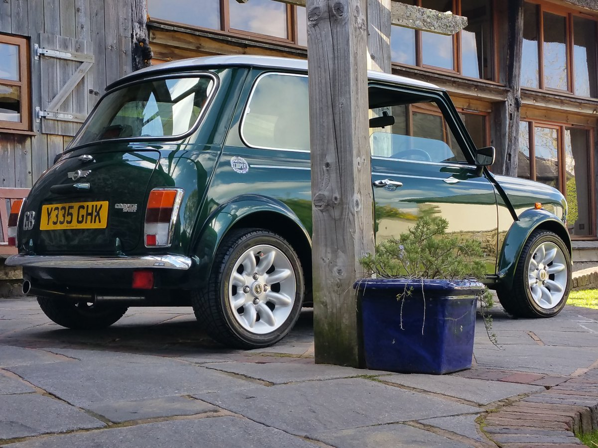 2001 Immaculate British Racing Green Mini Cooper Sport SOLD (picture 1 of 6)