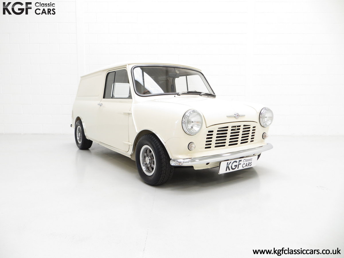 1969 A Delightful BMC Morris Mini Van Professionally Restored SOLD (picture 1 of 6)