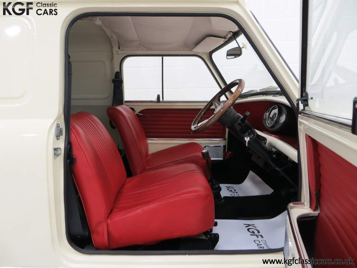 1969 A Delightful BMC Morris Mini Van Professionally Restored SOLD (picture 6 of 6)