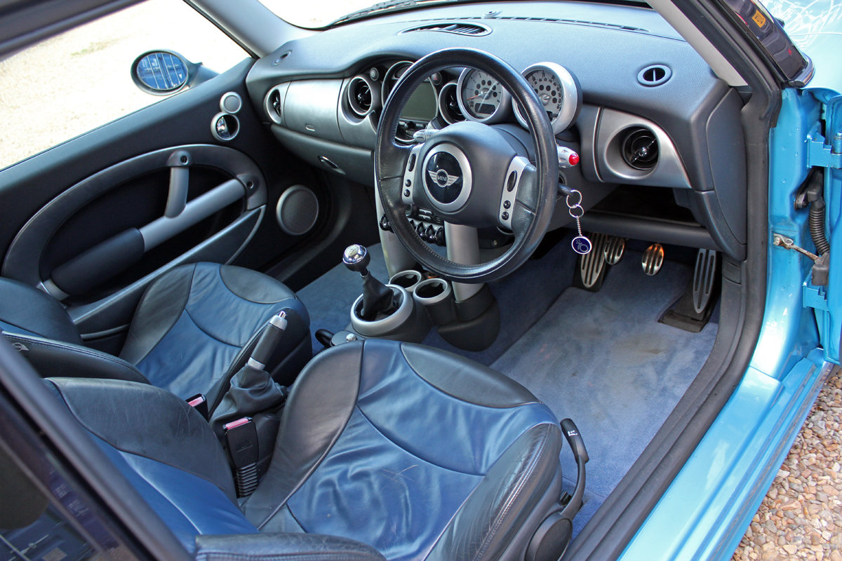 Mini Cooper S 2002 (early example, fsh, full spec) For Sale (picture 3 of 6)