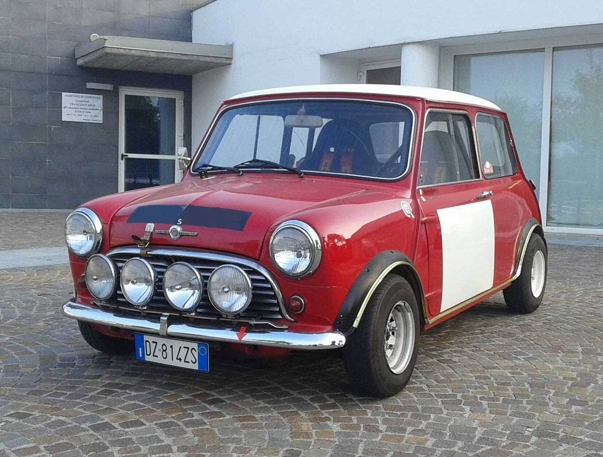 Morris Cooper S year 1967 For Sale (picture 1 of 6)