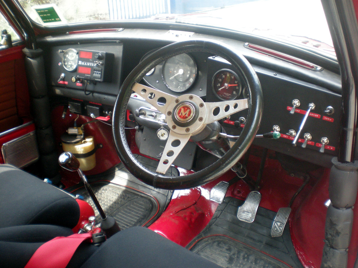 Morris Cooper S year 1967 For Sale (picture 2 of 6)