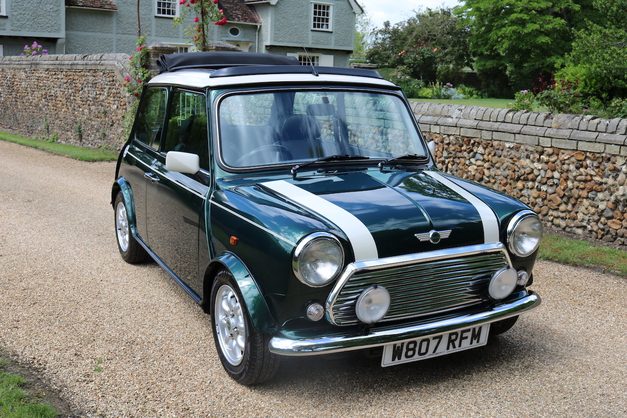 2000 Cooper Classic Low Miles (Full Length Electric Sun Roof)  For Sale (picture 1 of 6)