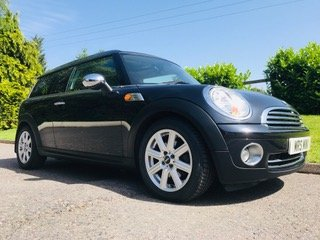 2007 57 MINI CooperClubman Automatic in Black Panoramic roof For Sale (picture 2 of 6)