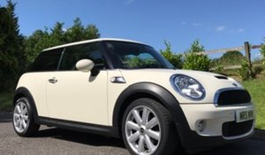 2009 / 59 MINI Cooper S in Pepper White  For Sale