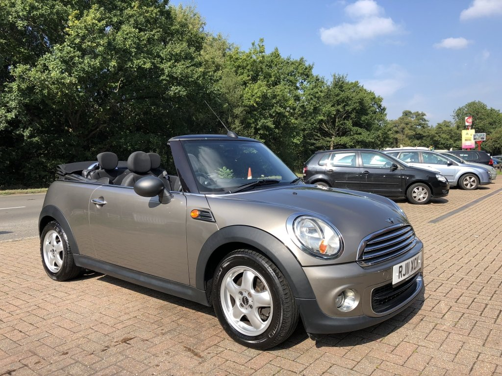 2011 (11) Mini 1.6 One Convertible For Sale (picture 1 of 6)