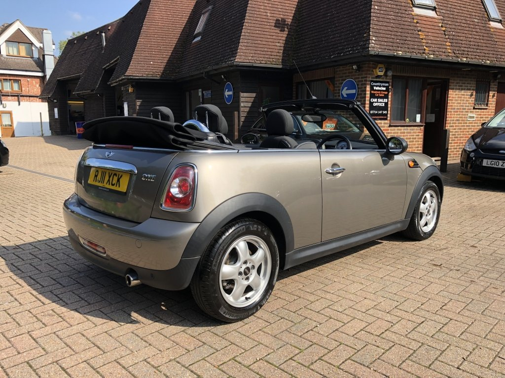 2011 (11) Mini 1.6 One Convertible For Sale (picture 3 of 6)