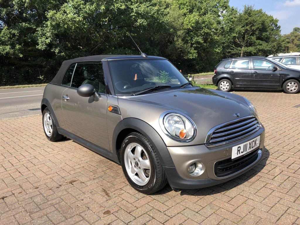 2011 (11) Mini 1.6 One Convertible For Sale (picture 4 of 6)