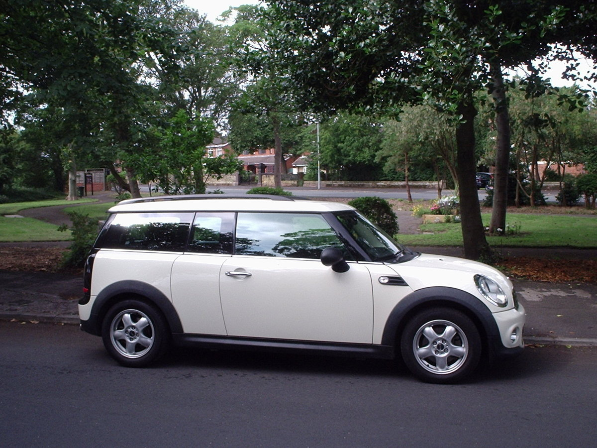 2011 MINI CLUBMAN ONE in Pepper White SOLD (picture 1 of 6)