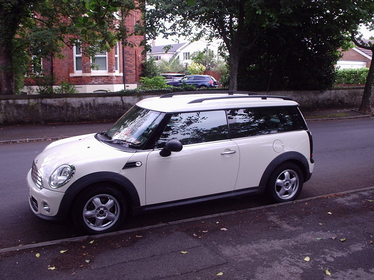 2011 MINI CLUBMAN ONE in Pepper White SOLD (picture 5 of 6)