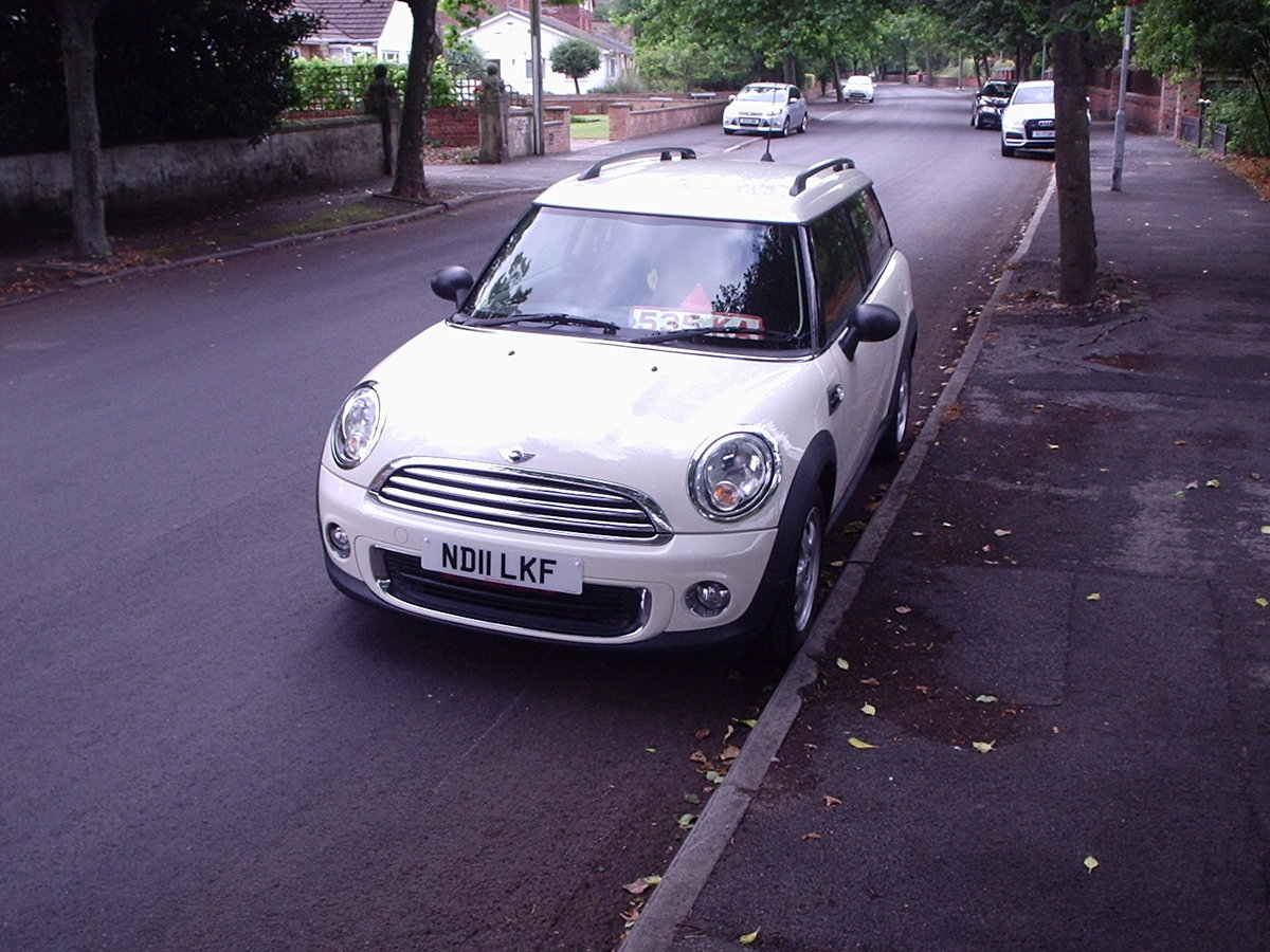 2011 MINI CLUBMAN ONE in Pepper White SOLD (picture 6 of 6)