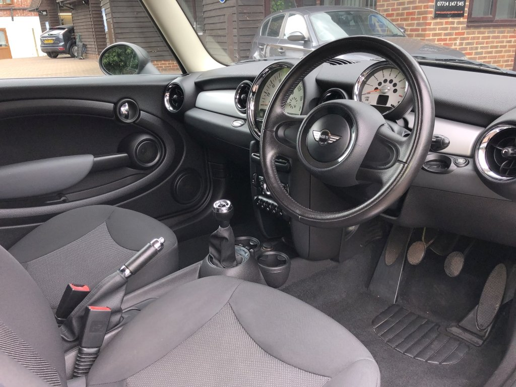 2010 (60) Mini 1.6 One Hatchback For Sale (picture 5 of 6)