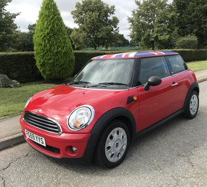 2010 Mini Hatch 1.4 First 3DR Red in excellent condition For Sale