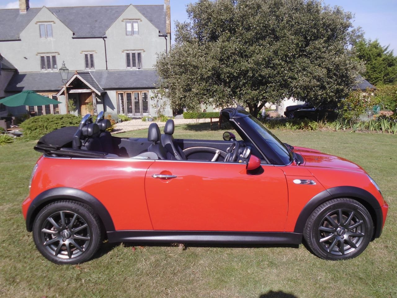 2008 Mini cooper S convertible 30,000 miles SOLD (picture 1 of 6)