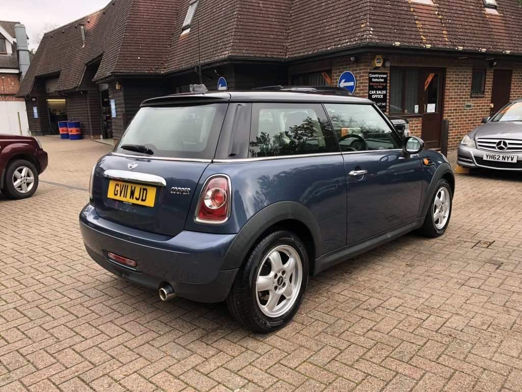 2011 (11) Mini 1.6 Cooper Hatchback | ONE OWNER For Sale (picture 3 of 6)