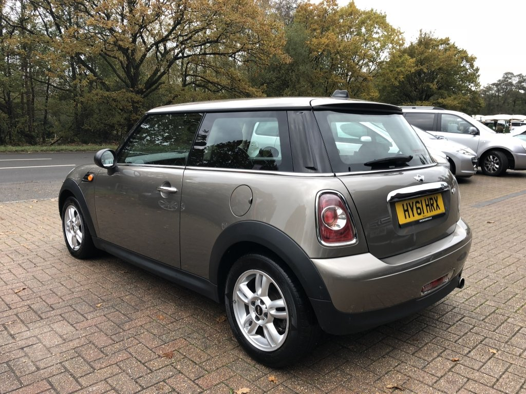 2011 (61) Mini 1.6 One Avenue Hatchback For Sale (picture 4 of 6)