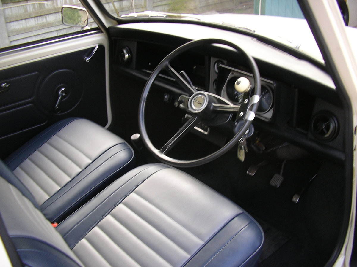 1976 SOLD Mini Clubman Estate-Very Good Condition SOLD SOLD (picture 1 of 6)