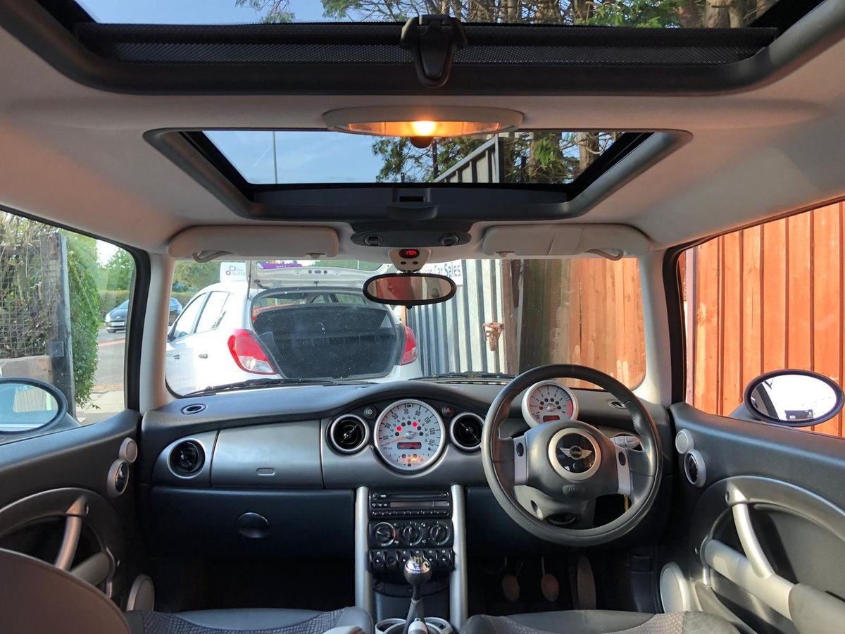 2003 Mini Cooper 1.6 - 2 Lady Owners - Panoramic Roof For Sale (picture 4 of 6)