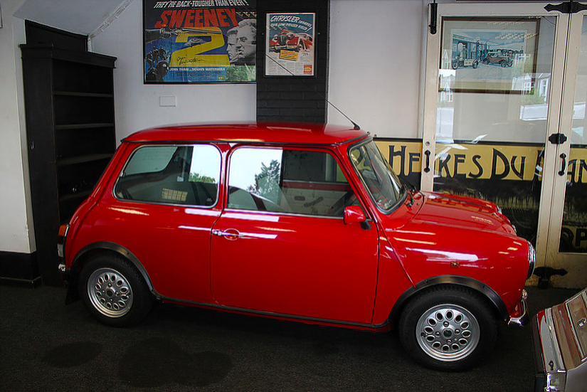 2000 Mini 'Seven' 1.3i Limited Edition With Delivery Mileage For Sale (picture 2 of 6)