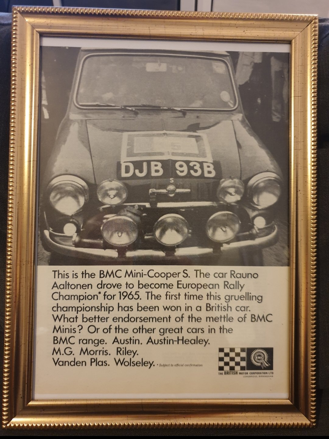 Original 1966 Mini Cooper S Framed Advert  For Sale (picture 1 of 2)