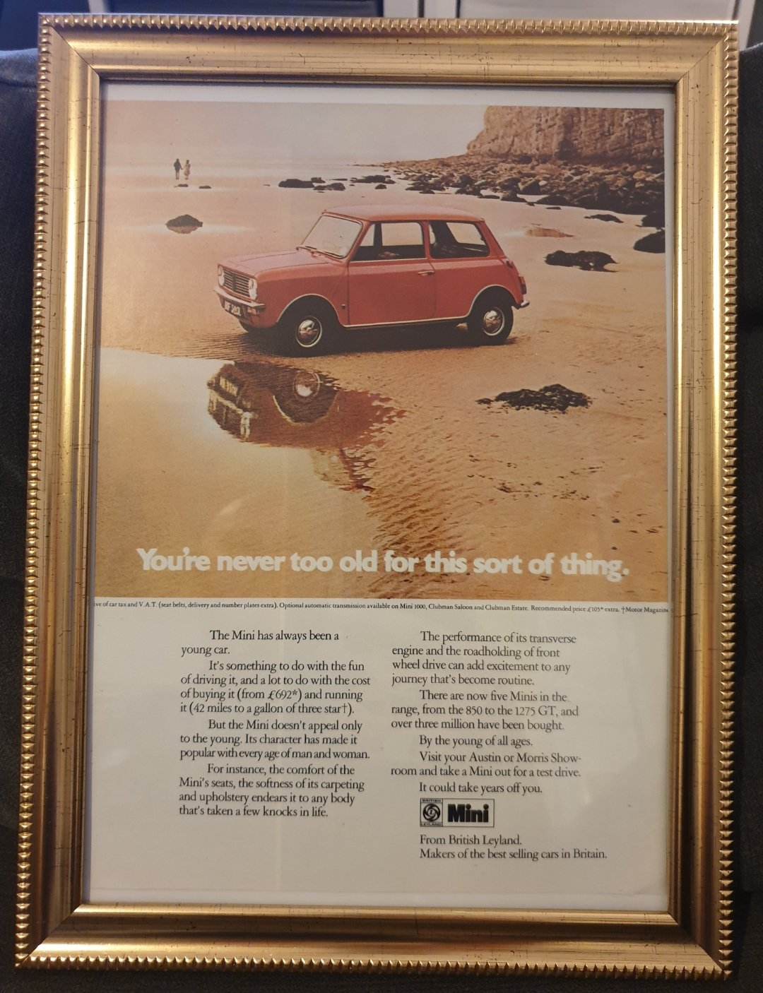 Original 1973 Mini Clubman Framed Advert  For Sale (picture 1 of 2)