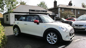 2016 MINI COOPER S CHILLI PACK AUTOMATIC SAT-NAV MASSIVE SPEC