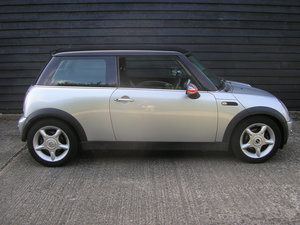 2002  (02) Mini Cooper 1.6 Chili Silver with Black Half Leath
