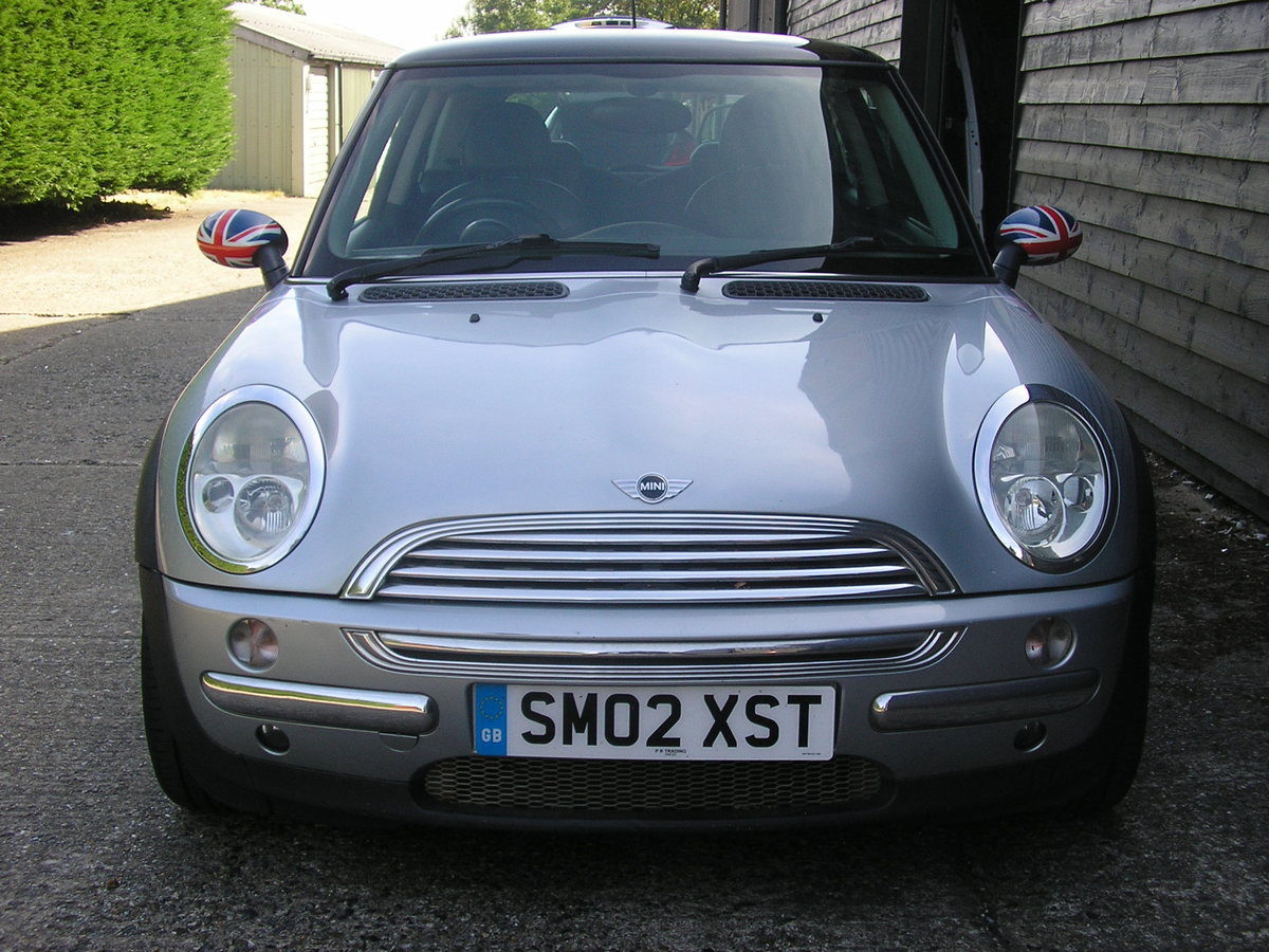 """2002 """"Superb Cooper 1.6 Chili Full History and interesting owner. For Sale (picture 2 of 6)"""