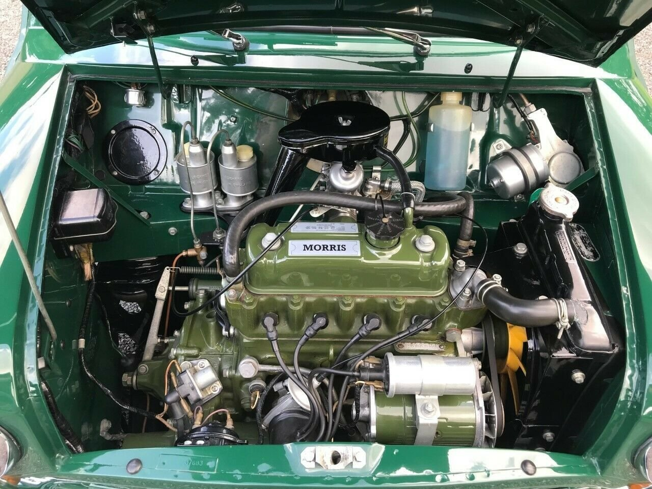 1969 MORRIS MINI VAN GREEN 17K STUNNING CONCOURS WINNER!!! For Sale (picture 4 of 6)