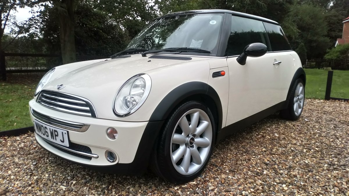 2006 LOVELLY LOW MILEAGE MINI COOPER 1.6 @ ONLY 31,170 For Sale (picture 5 of 6)