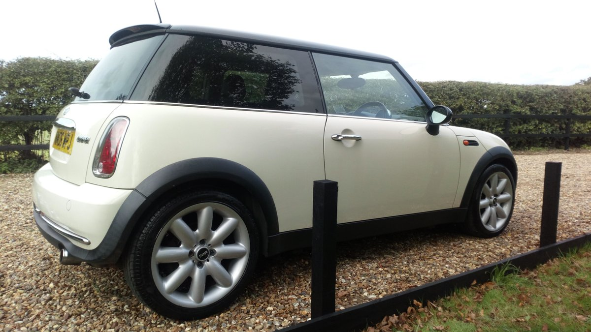 2006 LOVELLY LOW MILEAGE MINI COOPER 1.6 @ ONLY 31,170 For Sale (picture 6 of 6)