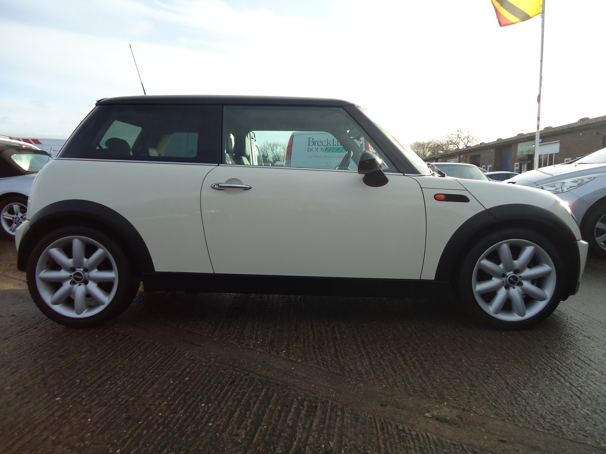 2006 LOVELLY LOW MILEAGE MINI COOPER 1.6 @ ONLY 31,170 For Sale (picture 3 of 6)