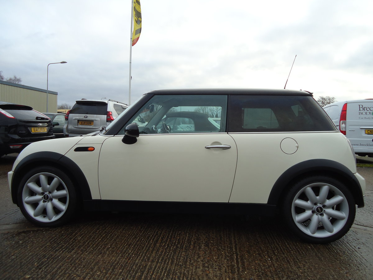 2006 LOVELLY LOW MILEAGE MINI COOPER 1.6 @ ONLY 31,170 For Sale (picture 4 of 6)