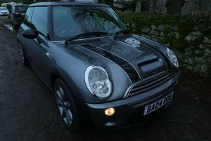 2004 Mini low miles red heated leather
