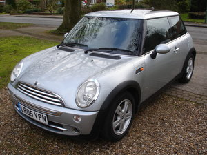 2005 Mini cooper 1.6 auto with great spec !!