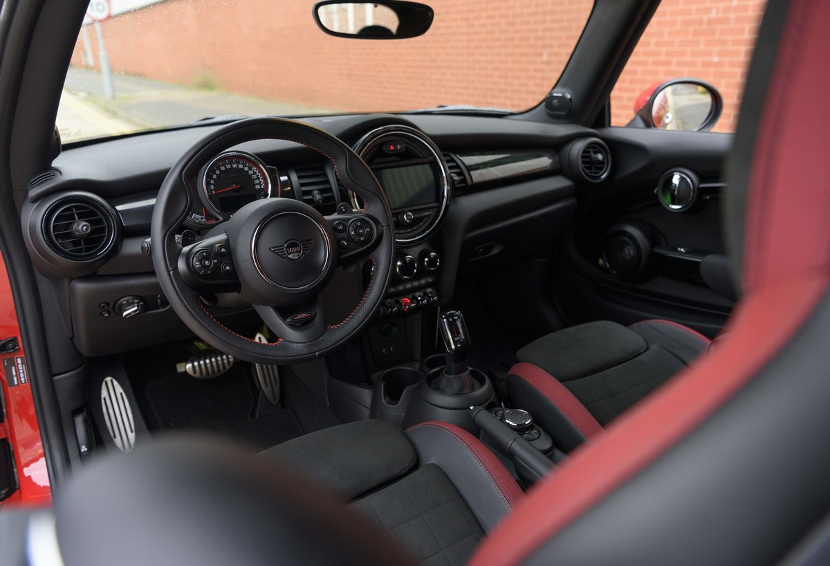 2019 Mini John Cooper Works Cabriolet (LHD) For Sale (picture 11 of 23)